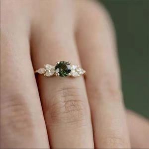 New Yellow Gold Lovely Emerald Diamond Ring 💍